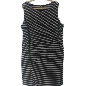 Ivanka Trunk Black white dress